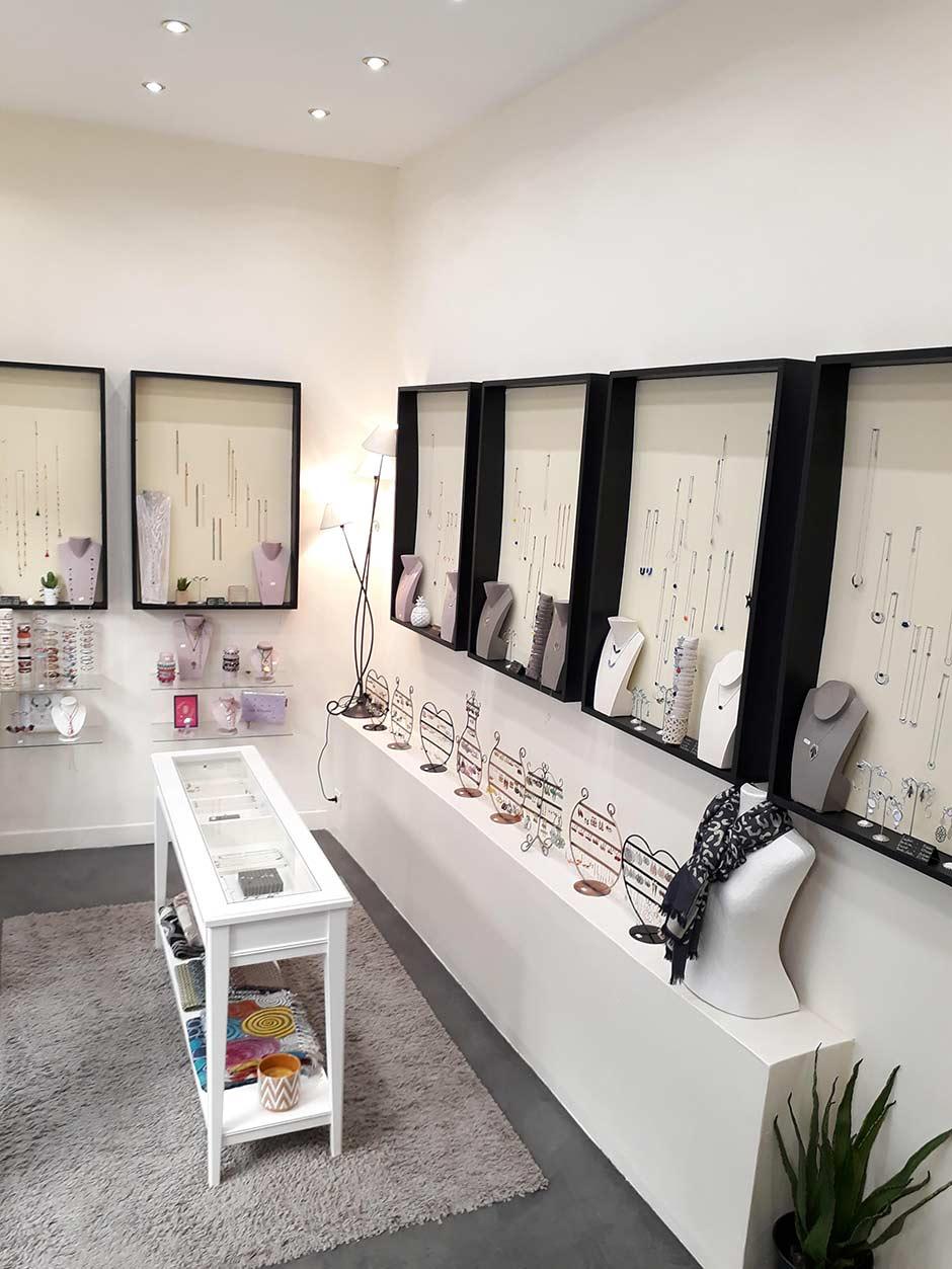fea8adfd2a4ee boutique bijoux fantaisie - Célébrons votre amour avec nos magnifiques  collections de bagues de fiançailles. Trouvez la meilleure et parfaite  collection de ...